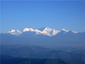 Darjeeling: overlooking the Himalayan ranges, with Kanchenjunga, in the middle (Image: S. Datta)